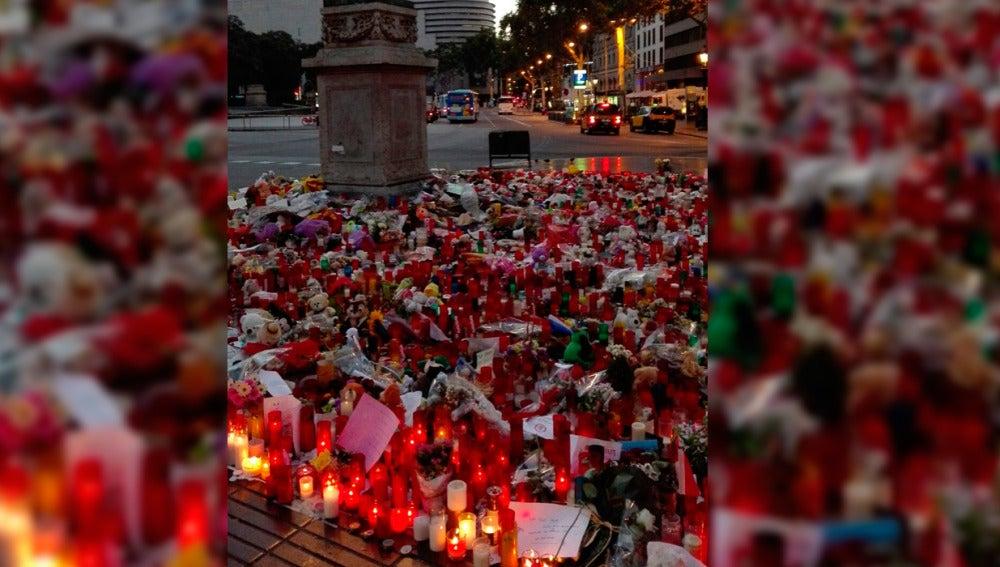 Homenaje en Las Ramblas a las víctimas del atentado en Barcelona