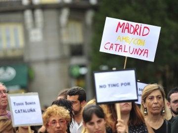 Concentración contra el terrorismo en la Puerta del Sol en Madrid