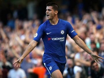 Álvaro Morata celebra un gol con el Chelsea