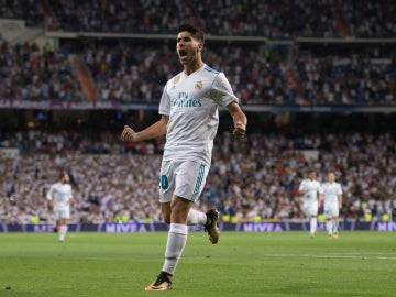 Marco Asensio celebra un gol con el Real Madrid