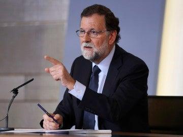 El presidente del Gobierno, Mariano Rajoy, durante la rueda de prensa