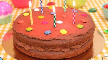 Tarta de Cumpleaños de Chocolate Fácil y Deliciosa