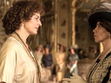 La Reina Victoria Eugenia ordena a jóvenes aristócratas a Melilla de forma inminente