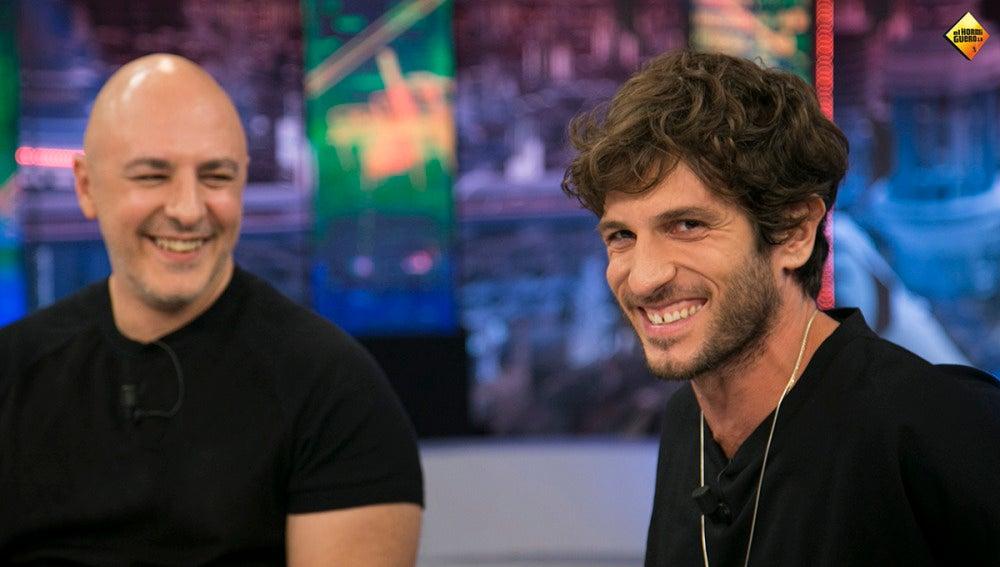 El momento más tenso de Quim Gutiérrez y Roberto Álamo rodando 'La niebla y la doncella'