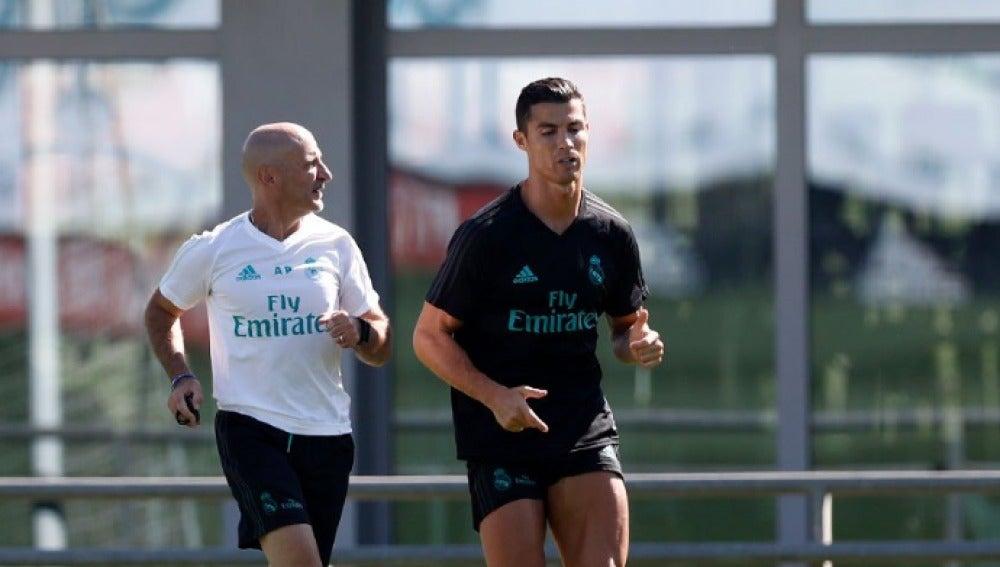 Cristiano Ronaldo ya se entrena a las órdenes de Pintus y Zidane en Valdebebas.