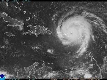 El huracán Irma acercándose a Puerto Rico