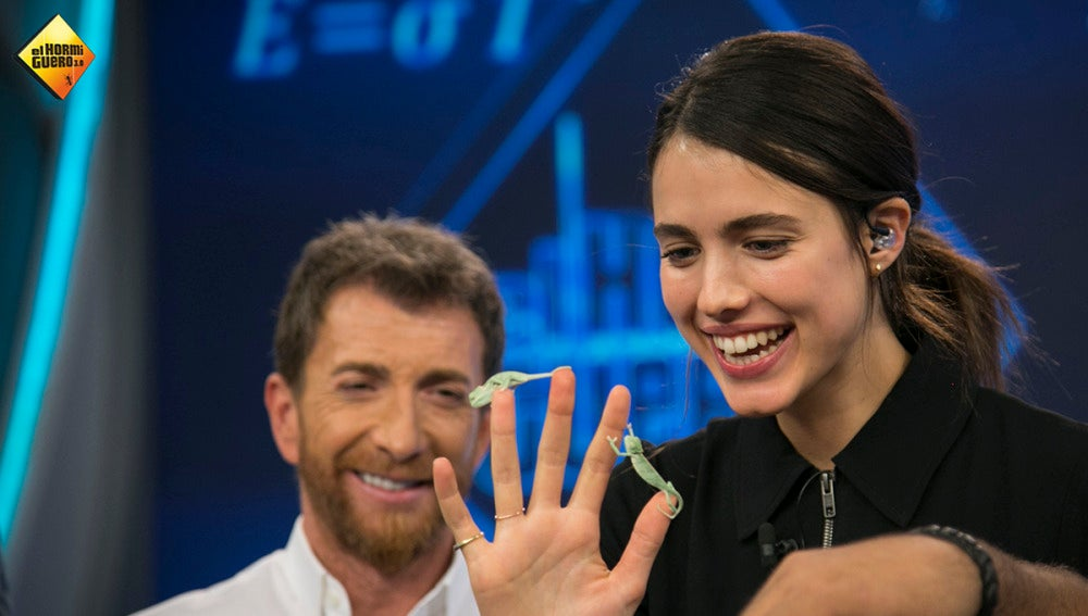 Margaret Qualley prueba la ciencia de Marron