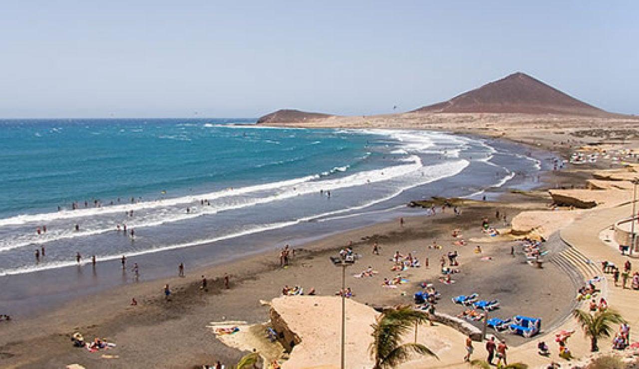 Inmigración: Cuatro muertos a bordo de un cayuco que llegó con 47 inmigrantes a El Médano, en Tenerife