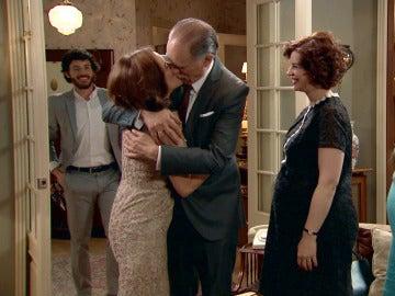 Los Novoa vuelven a ser una familia feliz