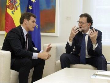 El presidente del Gobierno, Mariano Rajoy, y el presidente de Ciudadanos, Albert Rivera
