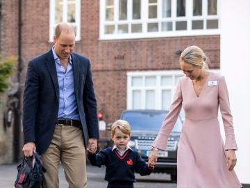 Primer día de colegio del príncipe George