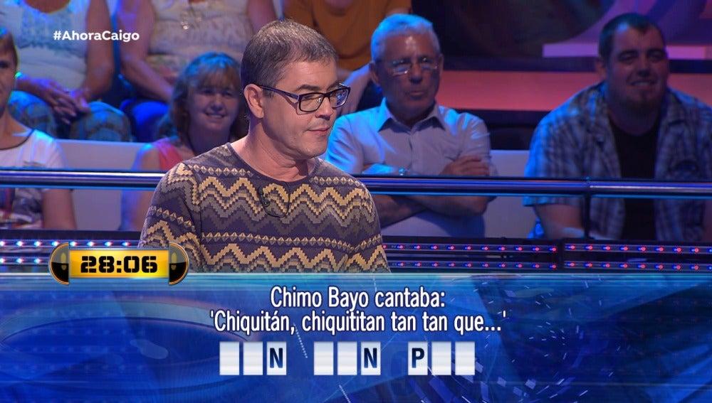 Un concursante intentando adivinar la respuesta