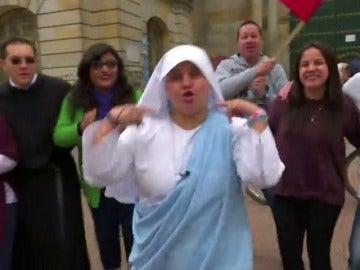 Una monja rapera que le canta al Papa