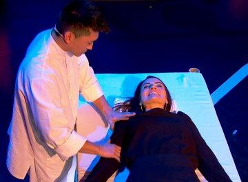 Silvia Abril aprende chino en cuestión de segundos bajo los efectos de la hipnosis