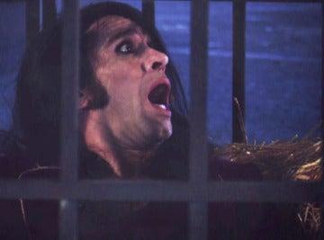 Mario Vaquerizo se despierta de la hipnosis en una jaula encerrado con un león