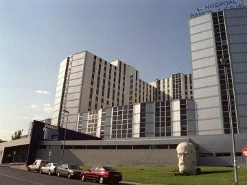 Vista del hospital Ramón y Cajal en Madrid donde la víctima permanece ingresada