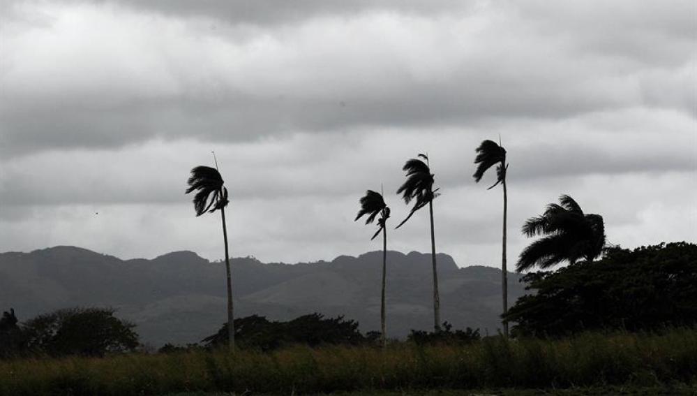 El huracán Irma toca tierra en Cuba