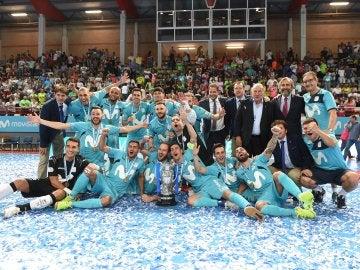 El Inter Movistar celebra su triunfo en la Supercopa de España