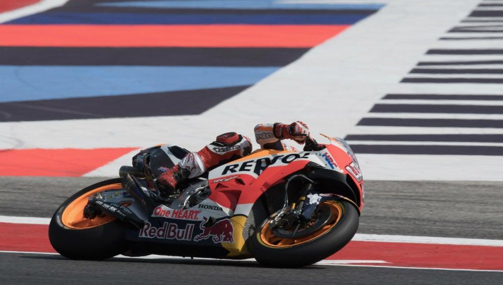 Márquez rueda con la Honda en Misano