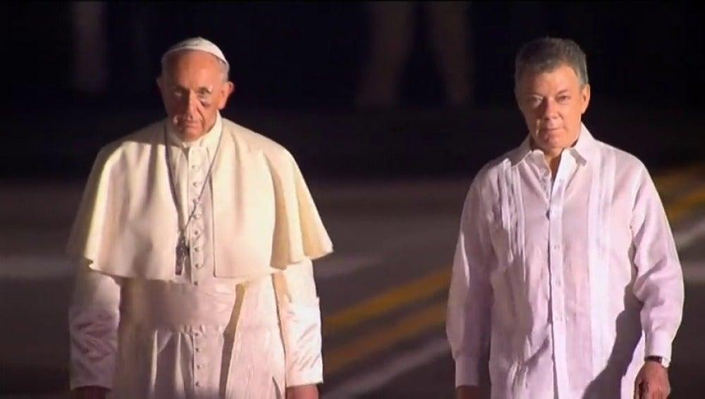 """El Papa, agradecido, pone punto y final a su visita a Colombia: """"Me han hecho mucho bien"""""""