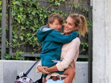 Lucas, el hijo de Alba Carrillo, se resiste a ir al colegio