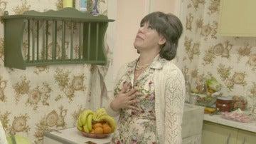 """Rosana se enfrenta al pollo para desplumarlo: """"Se ha tirado un pedo"""""""