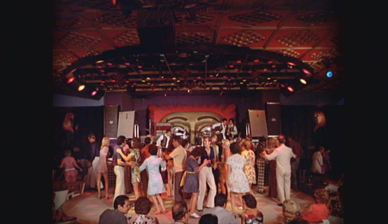 La transición española, las primeras discotecas y las prendas unisex, el gran cambio de los 70
