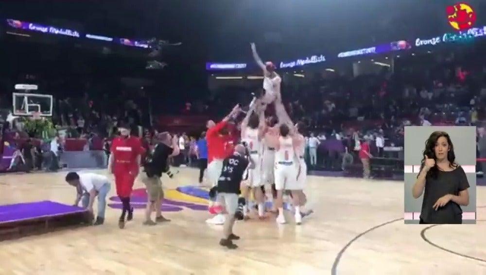 La selección española de baloncesto logra el bronce en el Eurobasket tras ganar a Rusia