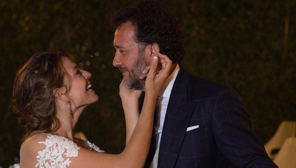 José Luis García-Pérez y Cristina Alarcón en su boda