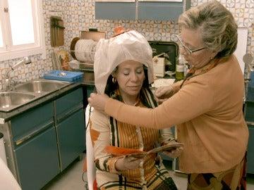 """Rosana con el secador de la época: """"Parezco un astronauta"""""""