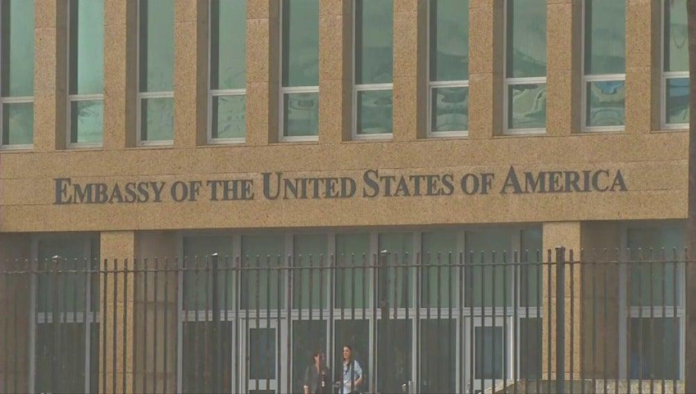 """EE.UU. estudia cerrar su embajada en La Habana por presunto """"ataque acústico"""""""