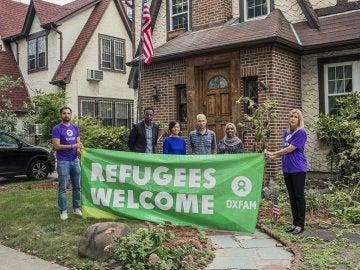 Los refugiados frente a la casa de la infancia de Donald Trump
