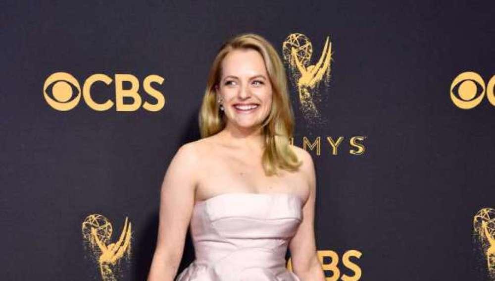 Elisabeth Moss en los premios Emmy