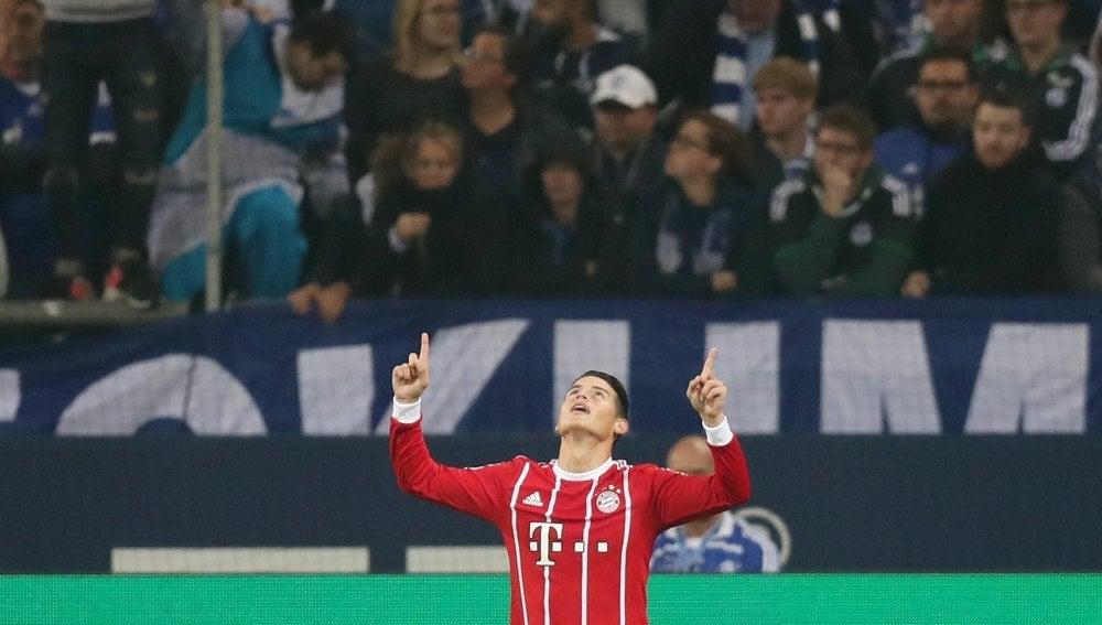 James celebra su primer gol en Bundesliga