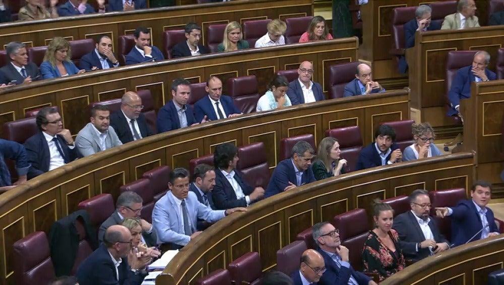 El PSOE impide que el Congreso cierre filas con el Gobierno ante el referéndum del 1-O