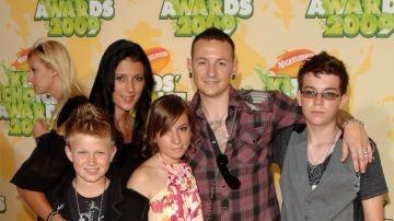 Chester Bennington junto a su familia