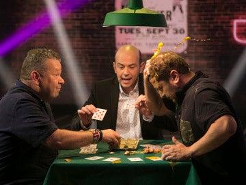 Alberto Chicote y El Monaguillo se enfrentan en una batalla de 'huevos' el viernes en 'Hipnotízame'