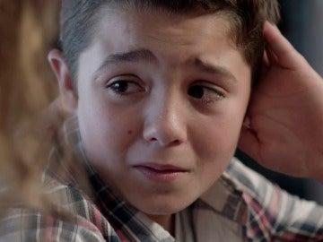 Hugo no puede mentir a su madre y le confiesa qué pasó con su perro Aby