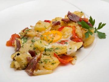 Patatas, pimientos y huevos