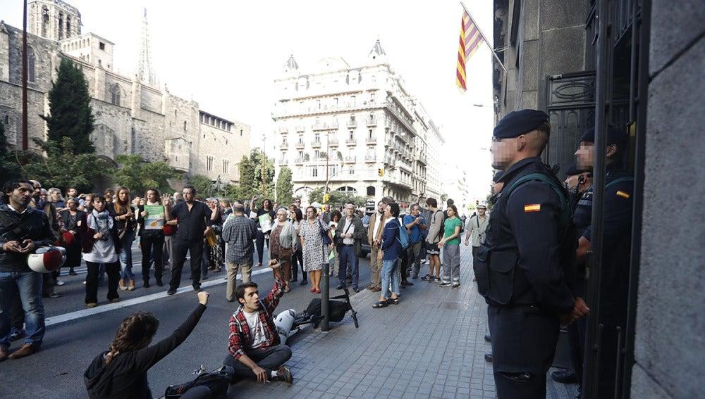 Antena 3 tv un juez de martorell deniega tres de los for Juzgados de martorell