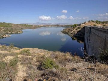 Vista ayer de la cola del embalse de Santomera, Murcia, que se encuentra al 8% de su capacidad