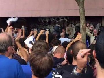 La CUP denuncia que agentes de la Policía Nacional encapuchados rodean la sede del partido