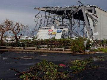 Vista de los daños causados por el huracán María hoy, jueves 21 de septiembre de 2017, a su paso por San Juan