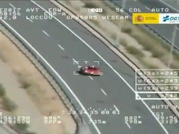 Cazado un conductor a 242km por hora en un tramo limitado a120