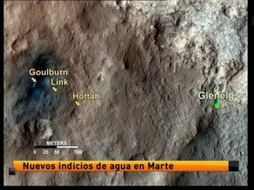 El robor Curiosity descubrió agua en Marte
