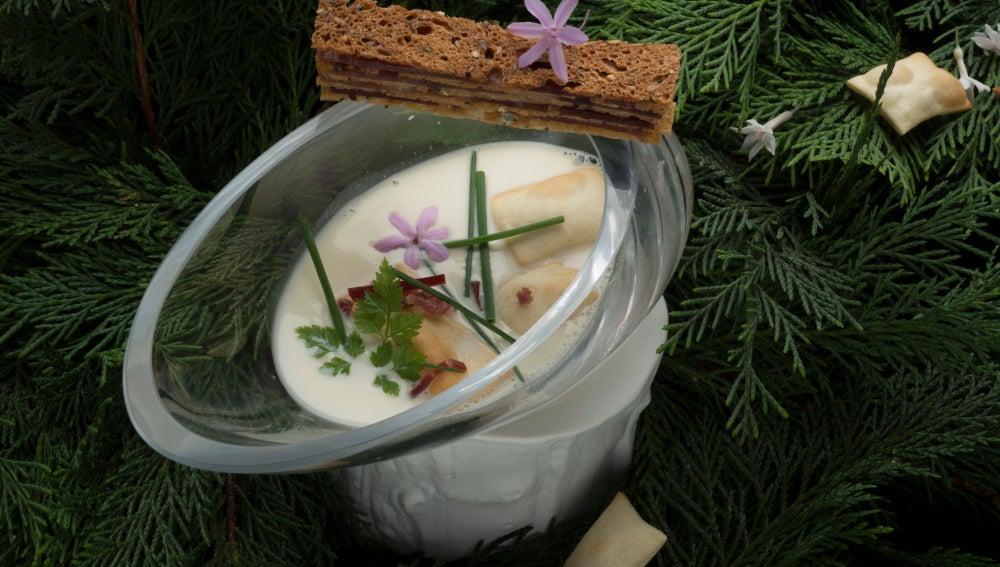 Sopa de bocata de Jamón y pan inflado