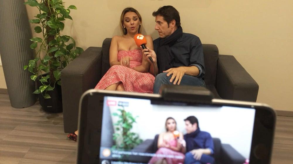 Chenoa y Manel Fuentes en un Facebook Live