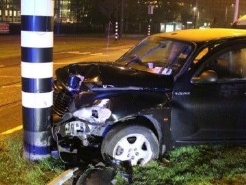 Así quedó el coche en el que viajaba el Kun Agüero