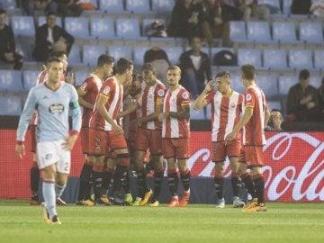 El Girona celebra en grupo uno de los goles contra el Celta