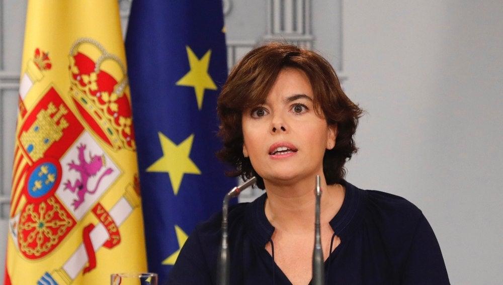 Soraya Sáenz de Santamaría comparece ante los medios
